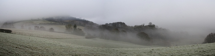 wigmore castle mist_Panorama2